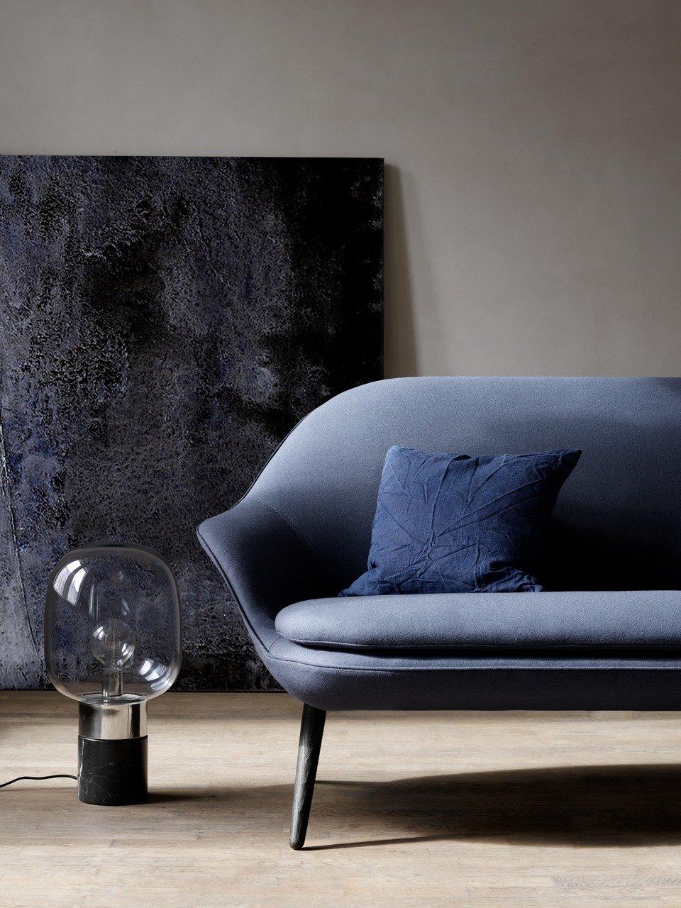 12.427,- Sofa Adelaide, ciemnoniebieska tkanina Lux Felt 2319/dąb. W86xS198xG84cm. [Adelaide - 2501]