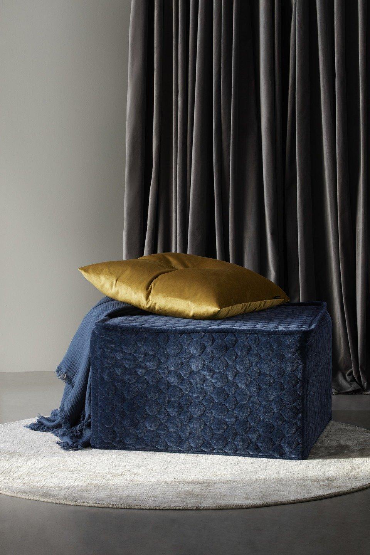 Pufa Xtra z funkcją spania, pokrowiec z pikowanej tkaniny Velvet, cena 2.556,-