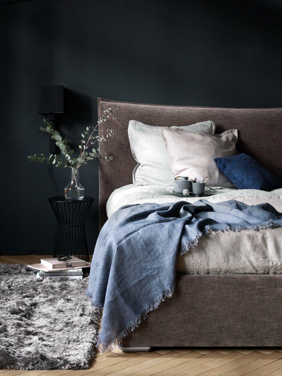Łóżko ze schowkiem Gent, z podnoszonym materacem i stelażem, szarobrązowa tkanina Napoli. Cena 9.968,- (Cena regularna 11.728,-)