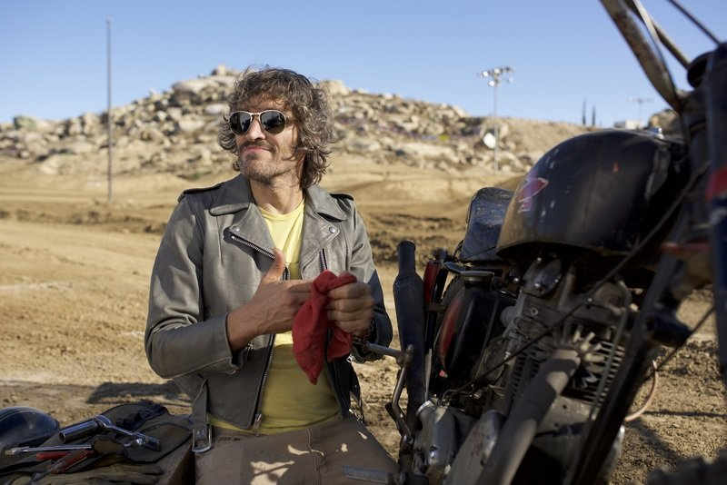 Persol Meet the New Generation_Vincent Gallo_Behind the scene_4.jpg