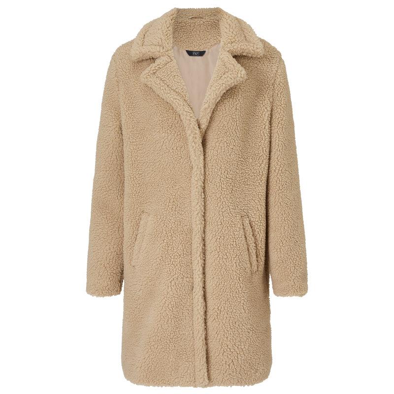 F&F_fluffy beige coat184,99zł.jpg