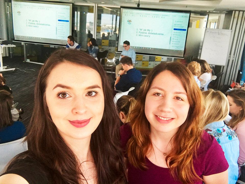 Magdalena Tabor i Aleksandra Witkowska - Social Media Specjalistki click community podczas Dnia Social Media w Warszawie.