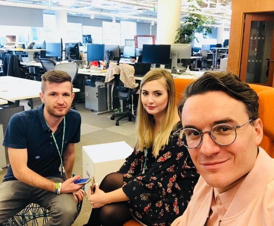 Rahim Blak (CEO), Roksana Wąż (Strategy&Community Manager) oraz Kamil Pasich (Performance Specialist) w dublińskiej siedzibie Facebooka.