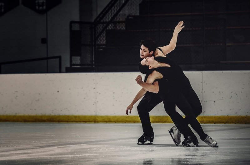 Tessa i Scott - taniec na lodzie