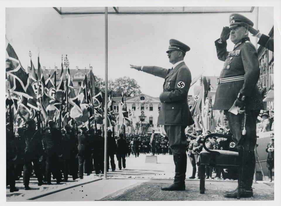 Ostatnie_dni_Hitlera_01.jpg
