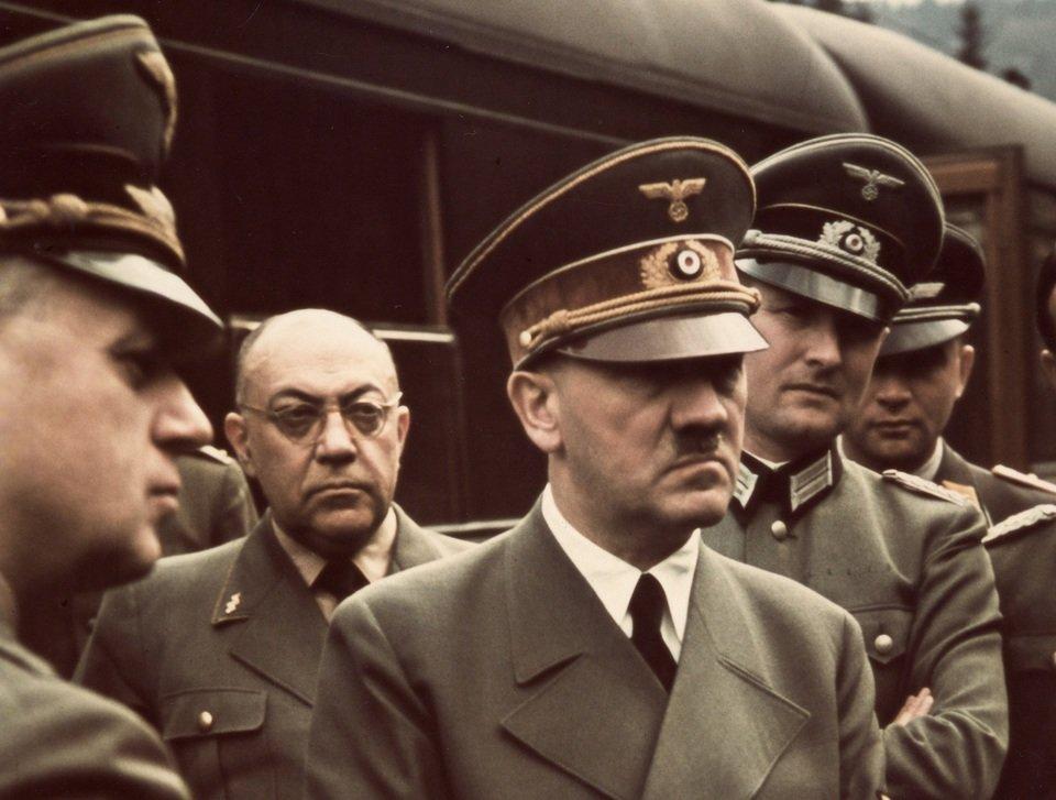 HitlerTheJunkie_0206.jpg