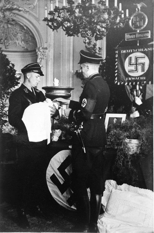 HitlersEvilElite_InsideTheSS_13.jpg