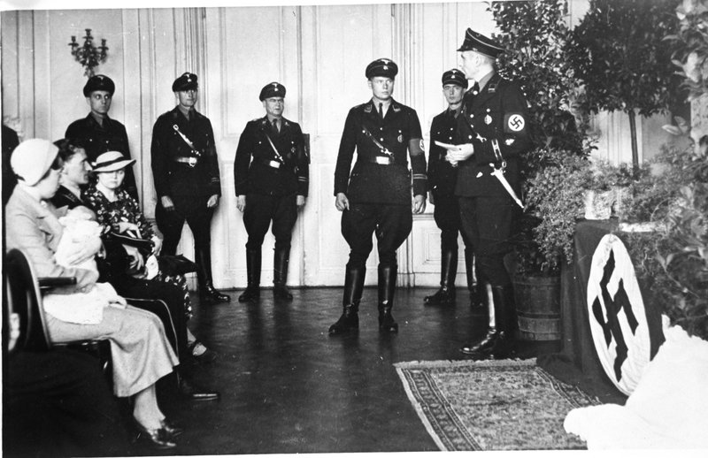 HitlersKillingMachine_InsideTheSS_18.jpg