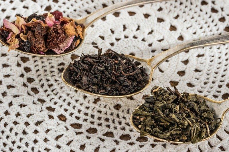 tea-leaf-1797125_1920.jpg