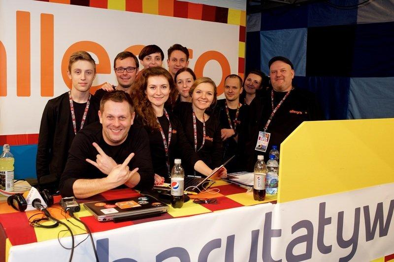 Na zdjęciu: Ekipa Allegro w studio TV podczas 24. Finału WOŚP