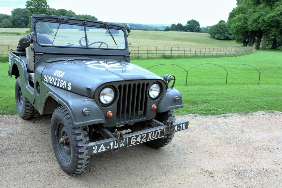 willys-jeep-1582193_1920.jpg