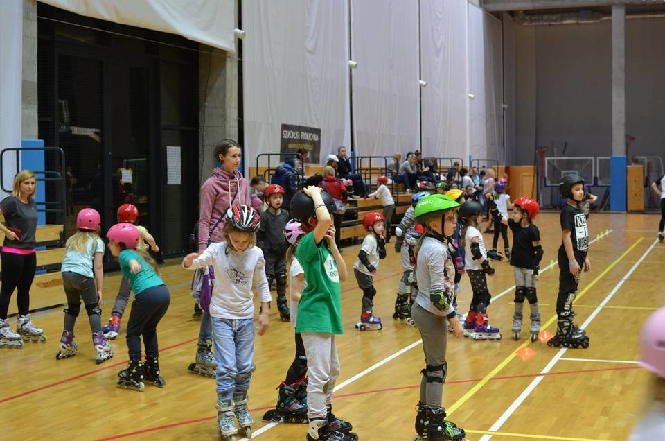 Na zdjęciu: zajęcia w szkółce Ice'n'Roll