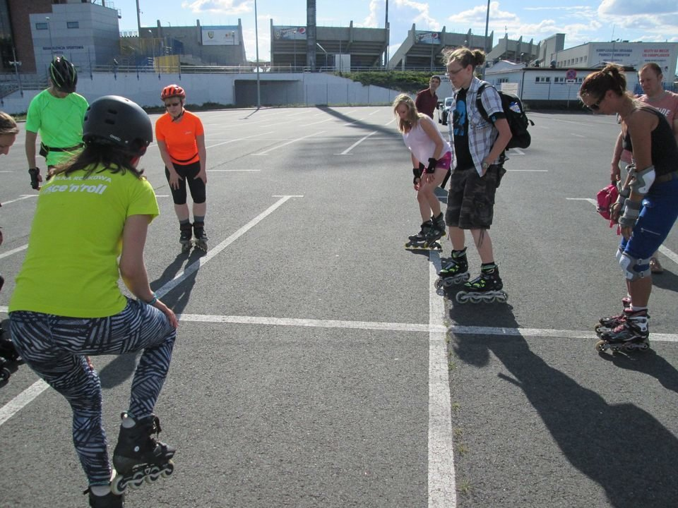 Na zdjęciu: zajęcia w szkółce Ice'n'Roll. Fot. archiwum autora