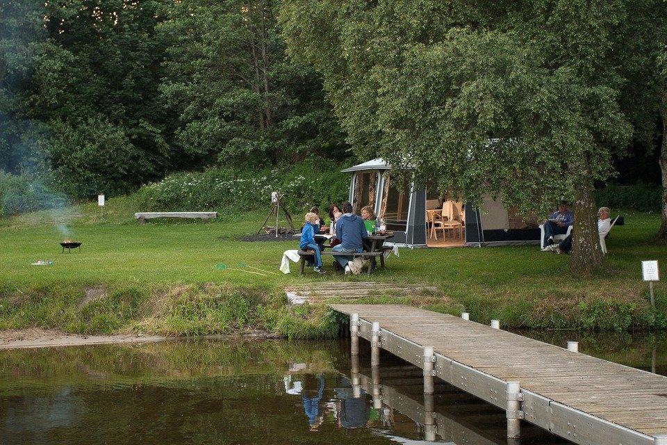camping-987721_1920.jpg