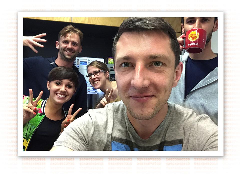 Na zdjęciu: Zespół, w którym pracuje Ewa Ludwiczak (w środku) Fot. Archiwum Ewy Ludwiczak