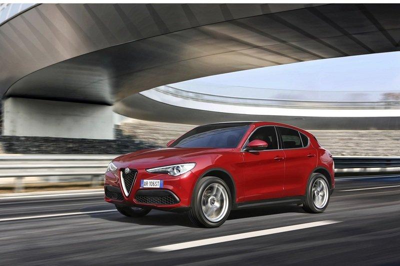 170413_Alfa_Romeo_HPS_stelvio.jpg