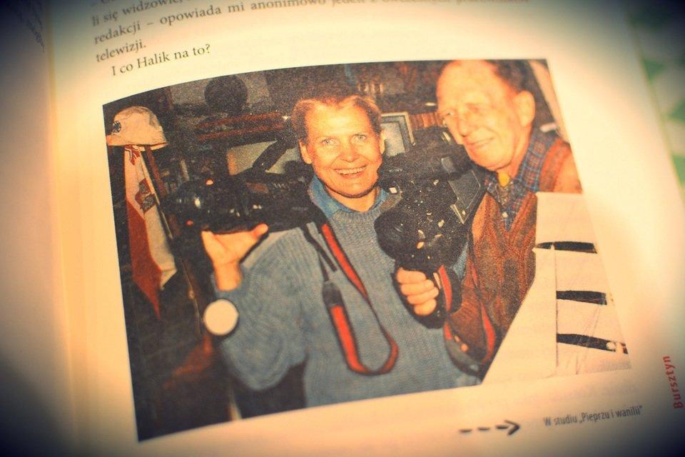 """W 1974 roku Tony Halik poznał Elżbietę Dzikowską, wtedy dziennikarkę magazynu """"Kontynenty"""", która została jego drugą żoną."""