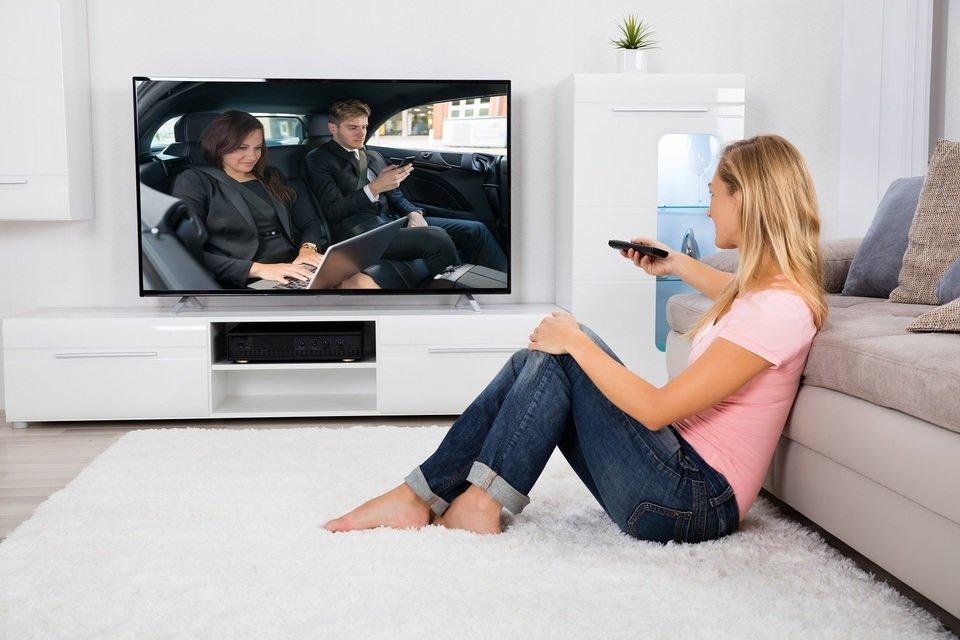 Jak zmienia się rynek TV Polacy powoli przechodzą na 4K_ilu.jpg