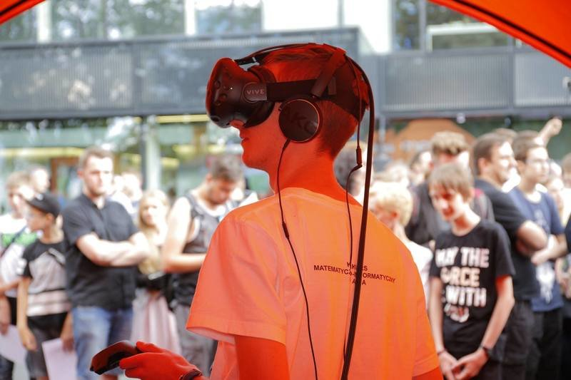 Strefa Nowych Technologii na Allegro Tech Days _ tu gogle VR.jpg