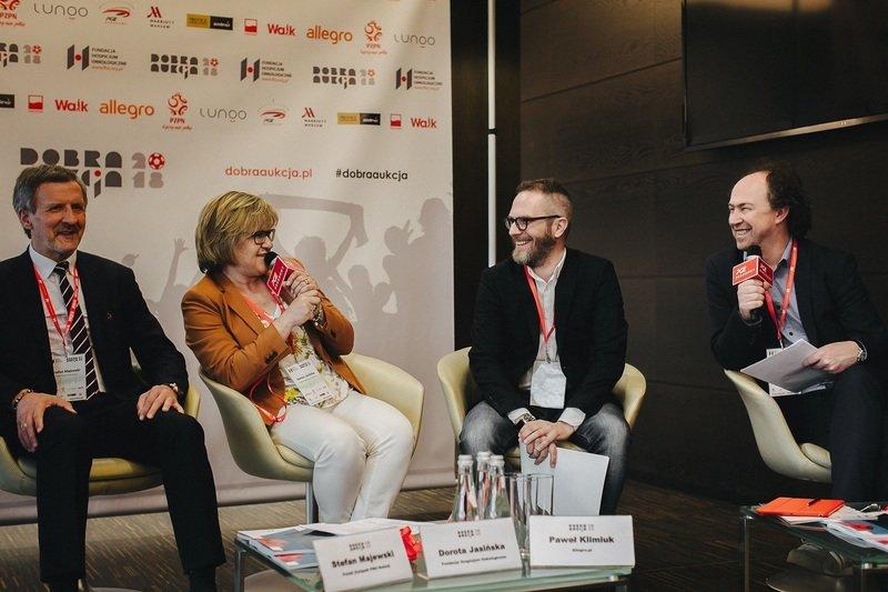 Michał Pol poprowadził konferencję prasową.jpg
