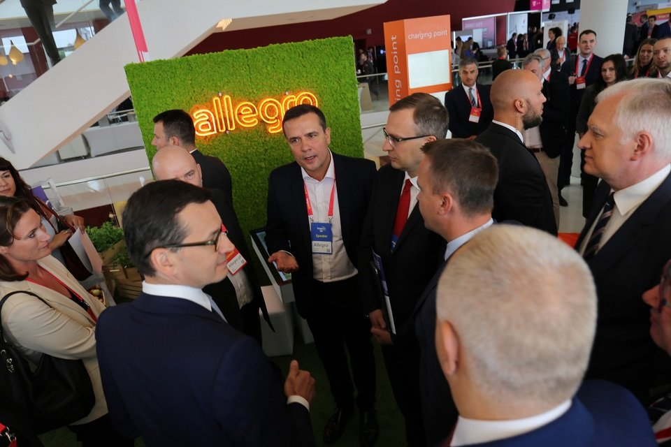 Premier Mateusz Morawiecki odwiedził strefę Allegro.