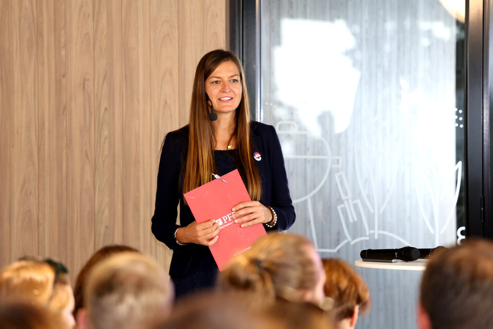 – <i>My chcemy być elementem, który wspiera talenty w Polsce i koncentrujemy się właśnie na tych umiejętnościach </i>– podkreślała Eliza Kruczkowska, dyrektor Departamentu Rozwoju i Innowacji PFR.