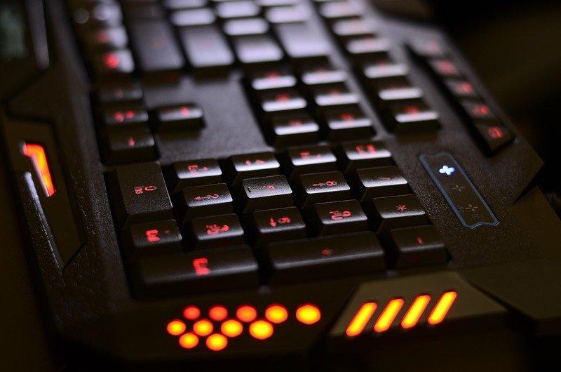 technology-1497176_1920.jpg