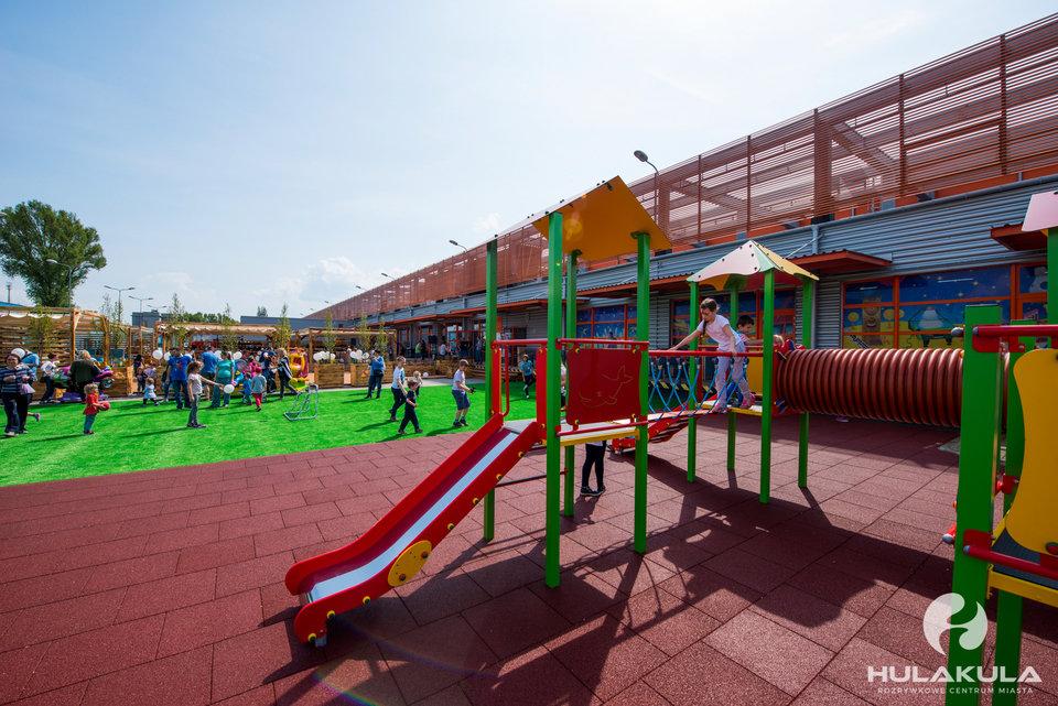 Hulakula Plac Zabaw Zjeżdżalnie.jpg