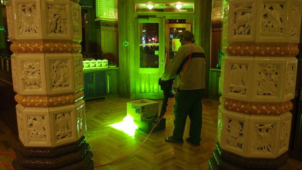 Utwardzanie lakieru za pomocą promieni UV