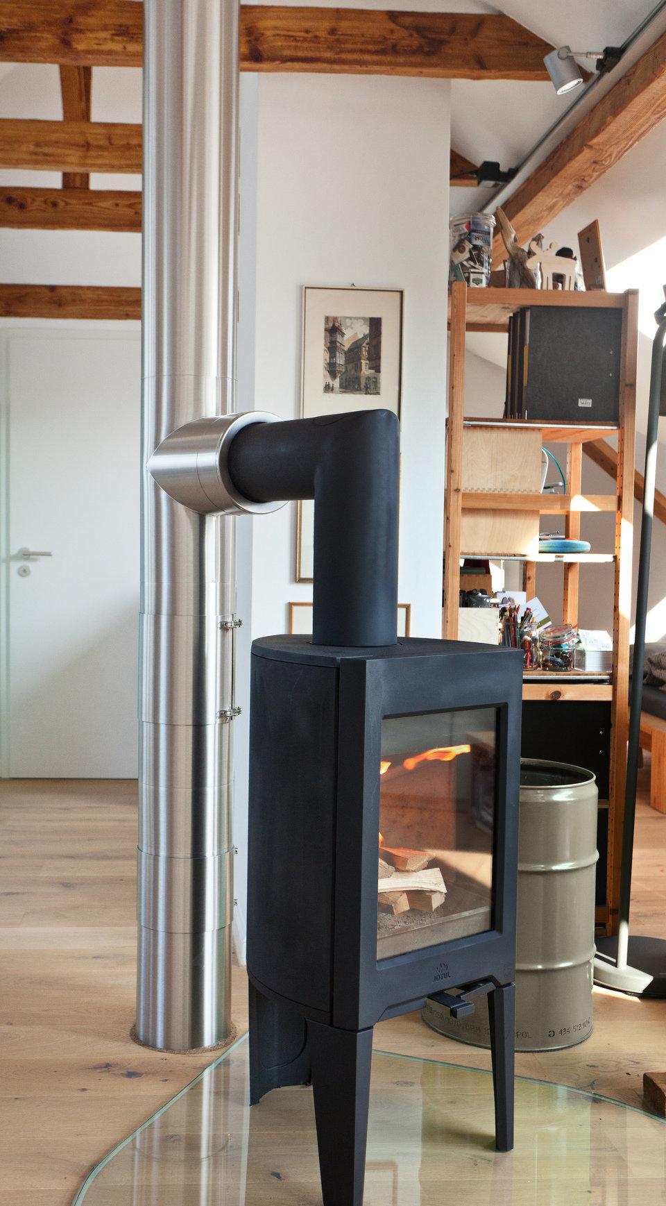 Przyłącze kominkowe NERO (element czarny) i system Zen w wersji szlifowanej (designerski, bezobejmowy, dwuścienny, izolowany, paliwa stałe)