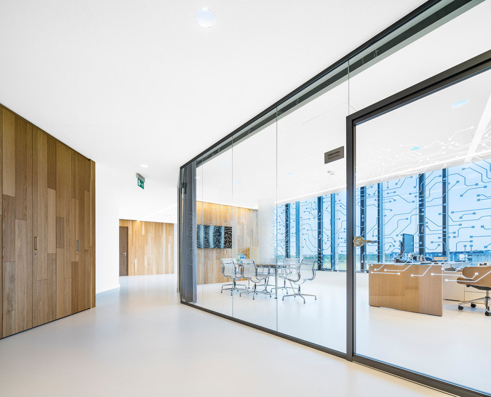 Biuro Sygnity S.A.,Warszawa, Polska, 800 m². Zastosowany produkt: ROCKFON® Mono Acoustic