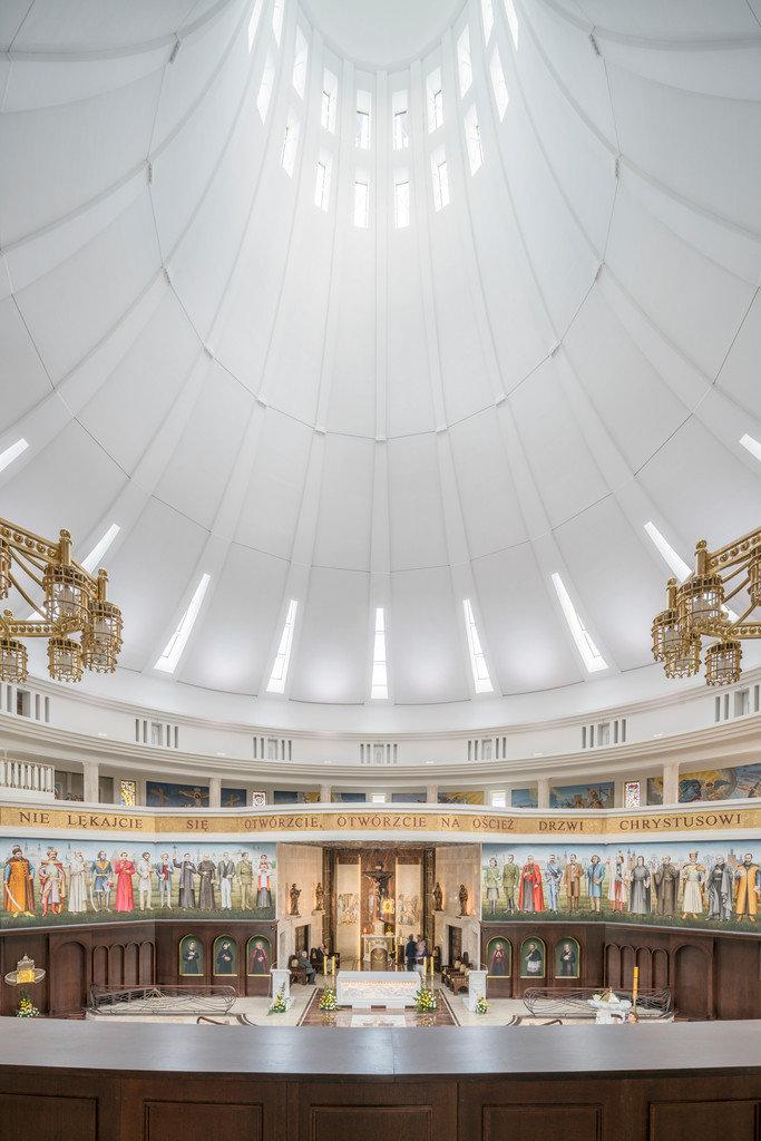 Kościół pw. NMP Gwiazdy Nowej Ewangelizacji i św. Jana Pawła II w Toruniu, Polska,1000m², ROCKFON Mono Acoustic, 1200x900, white