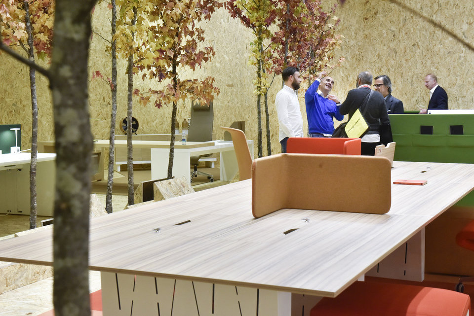 An open-office plan fueled with nature by Thonet