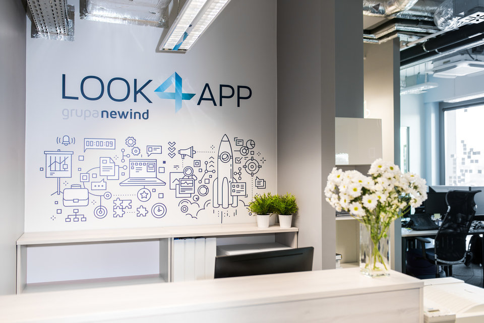 Reception desk at Look4app