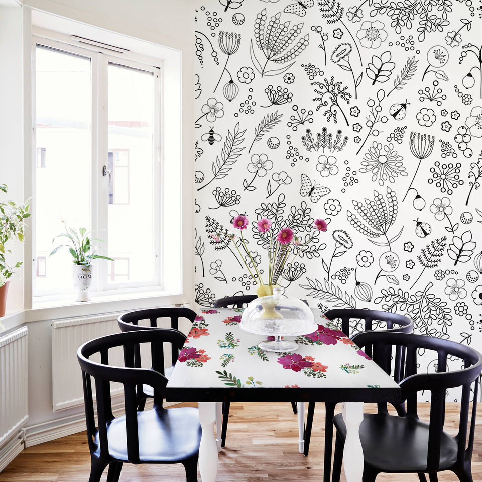 Floral table and floral wall by Pixers