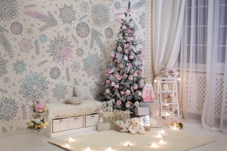 Pastel snowflakes will be a beautiful complement to bright interiors