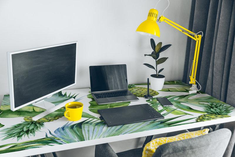 205245118_XL_desk.jpg