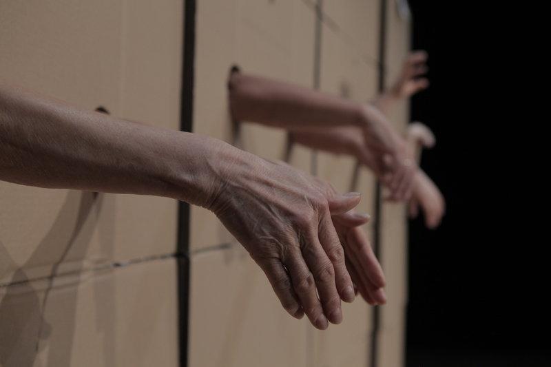 Jeden gest FOT. Kobas Laksa (2).JPG