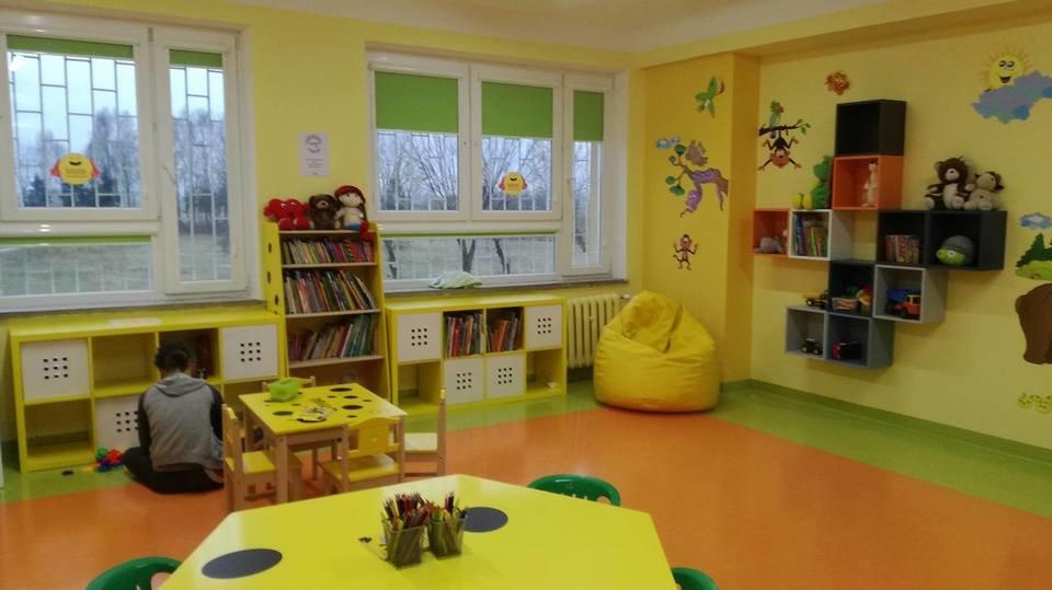 Kolorowo, bajkowo i przyjaźnie - wspólnymi siłami Spomlek i radzyński szpital przy oddziale pediatrycznym stworzyli kącik zabaw dla dzieci<br>