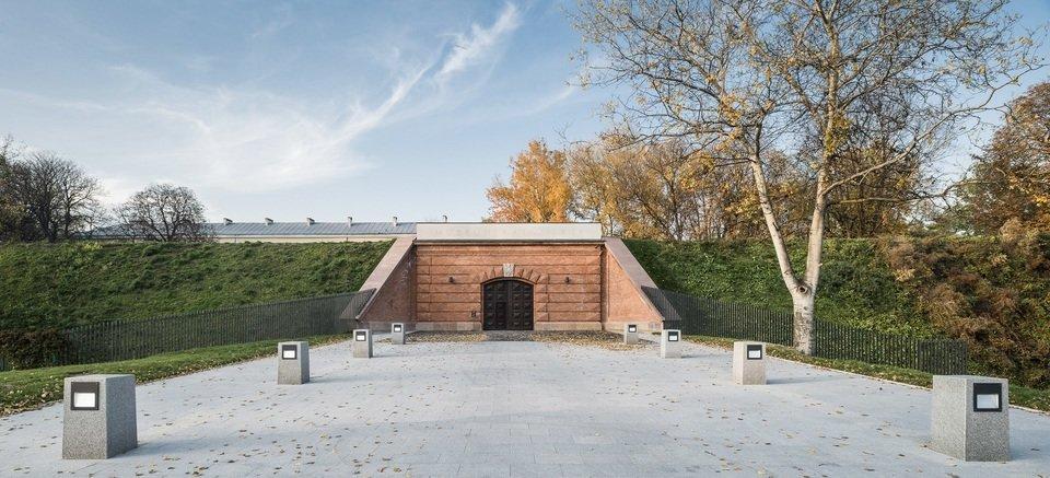 Muzeum Katyńskie w Warszawie.jpg