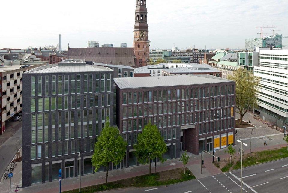 Katharinenquartier harmonijnie wpisuje się w historyczną dzielnicę portową i odzwierciedla przenikanie się pracy i życia.