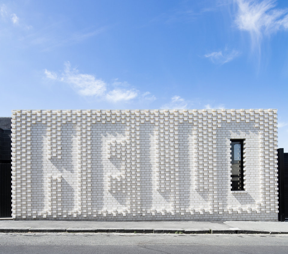 Architektura i wnętrza: OOF! architecture<br>Współpraca artystyczna: Rose Nolan<br>Fotograf: Nic Granleese