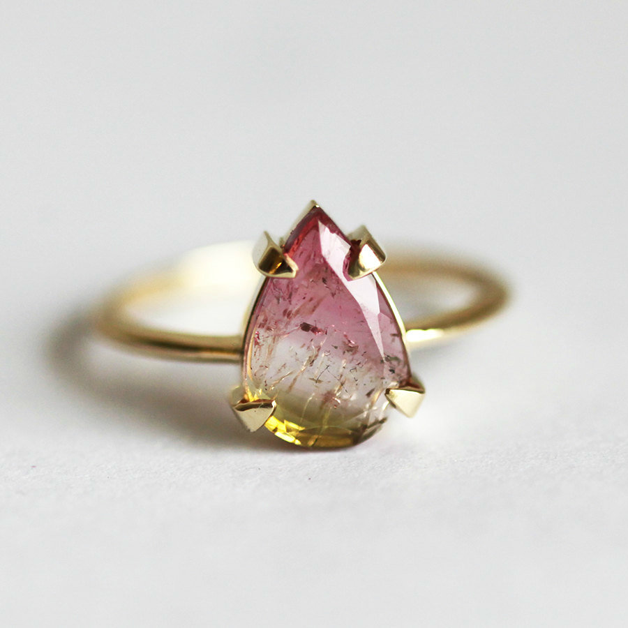 One-of-a-kind Watermelon Tourmaline Ring by Minimal VS, 490€