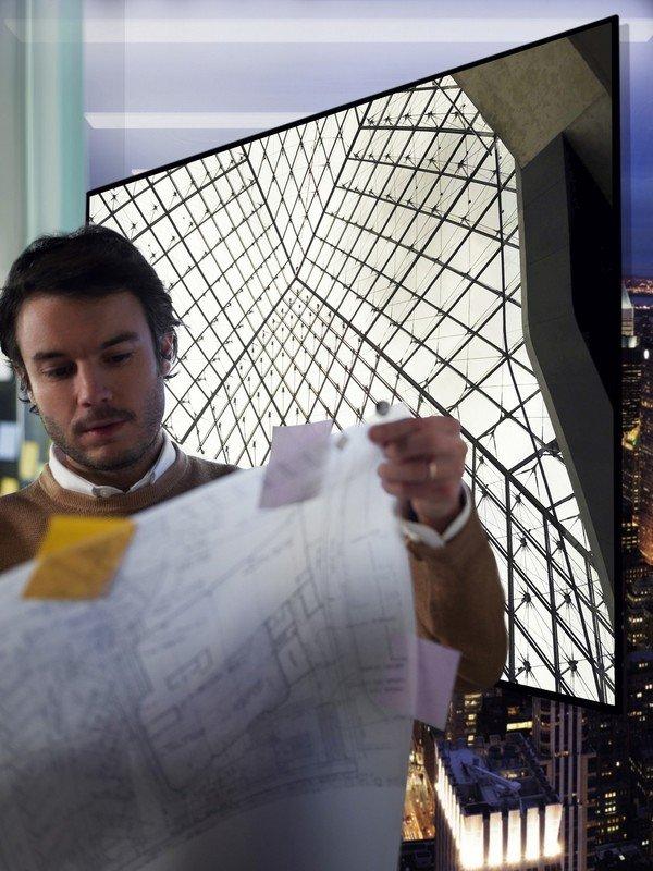 LG OLED W7 Lifestyle_46.jpg