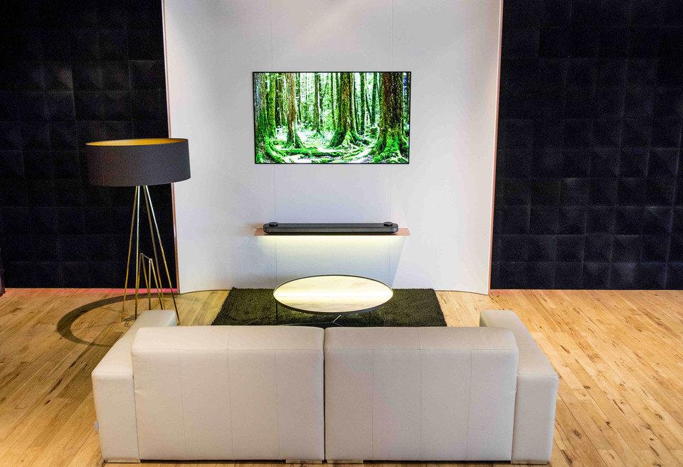 Ściana ekspozycyjna LG OLED SIGNATURE W7