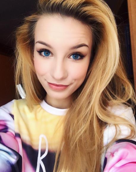Adrianna Skon.png