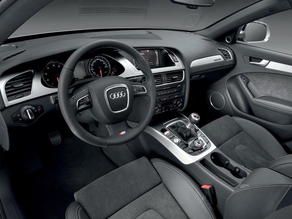 Audi A4 B8_04.jpg