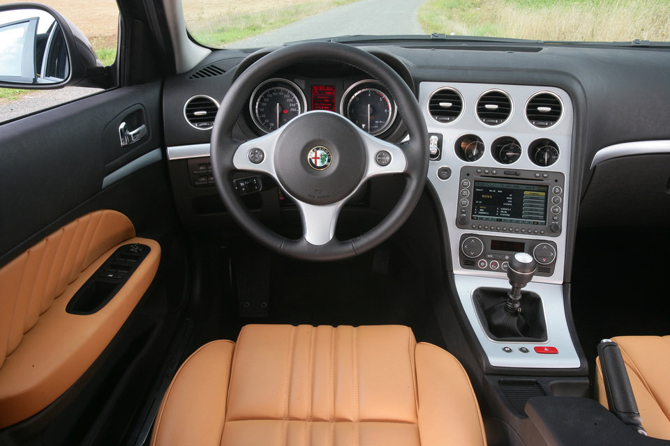 Alfa Romeo 159_04.jpg