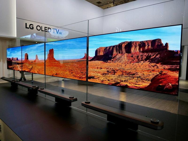 LG SIGNATURE TV W_02.jpg