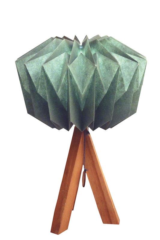 08_Lampe_de_table_origami_DanielleOrigamLlampen_sur_dawanda_com.jpg